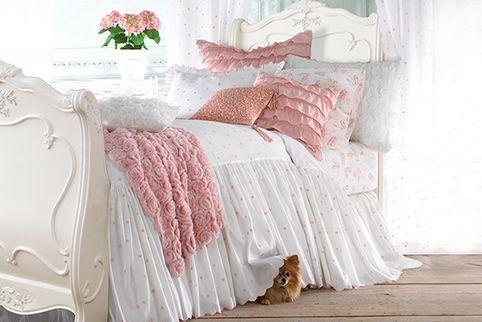 декор спальни в розовом цвете картинки