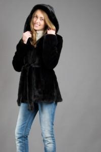 модные короткие шубы зима 2011 2012