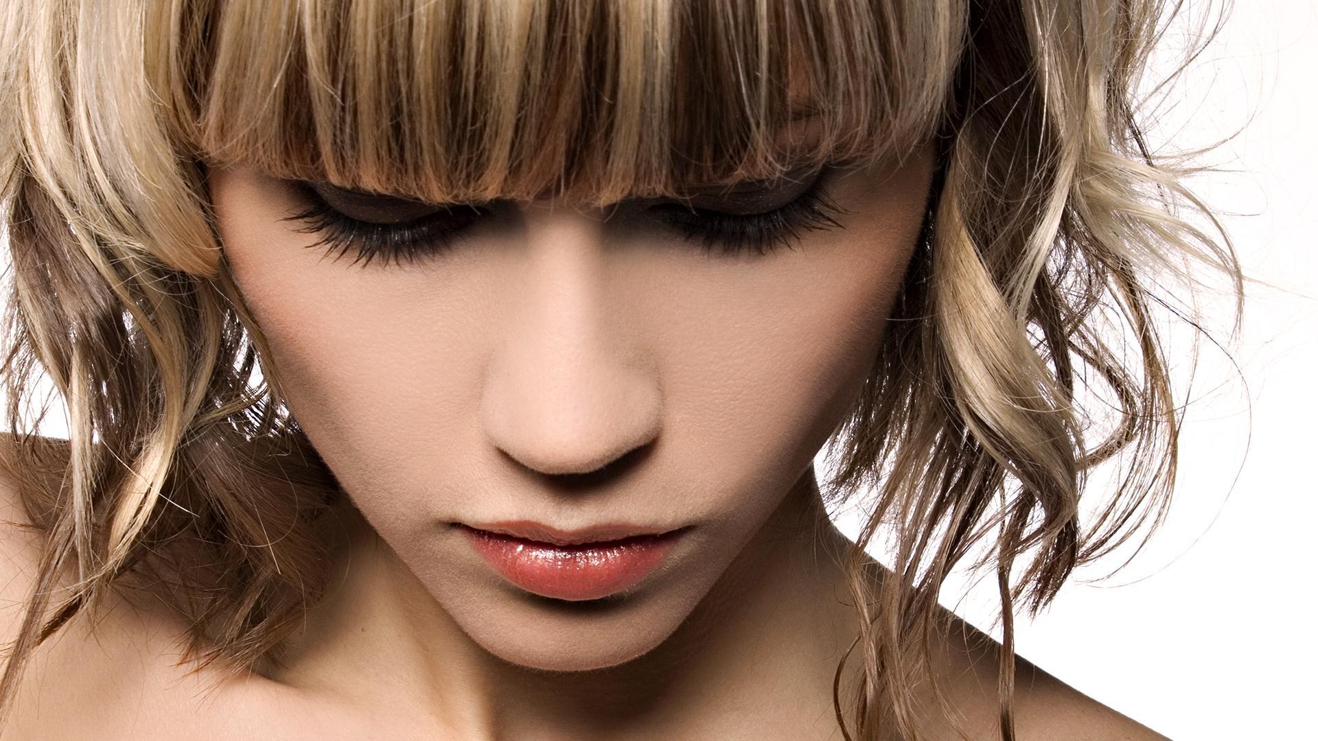 Сделать мелирование на русые волосы